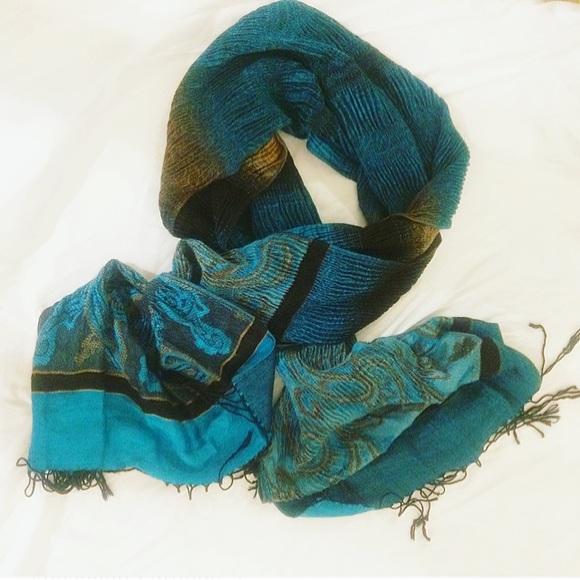 Accessories - turquoise pashmina / silk scarf w/ fringe
